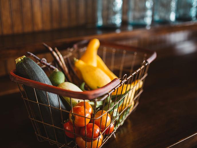 Corona: Mehr Verbraucher kaufen bei Wochenmärkten & Hofläden